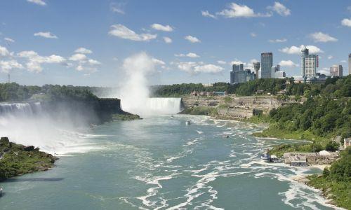 Inmersión en familia canadiense con visitas - descubre Toronto
